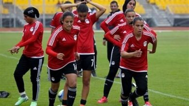صورة الجهاز الفني لمنتخب الكرة النسائية يجتمع لمناقشة خطة المرحلة المقبلة