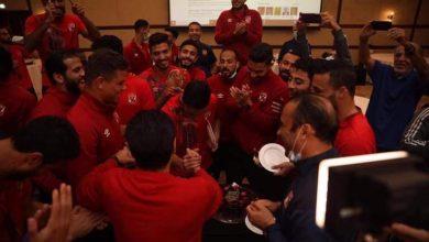 صورة بعثة الأهلي في قطر تحتفل بعيد ميلاد شريف وقنديل