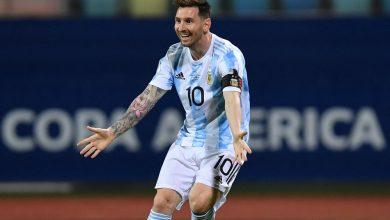 صورة ميسي يتوج بجائزة أفضل لاعب في بطولة كوبا أمريكا